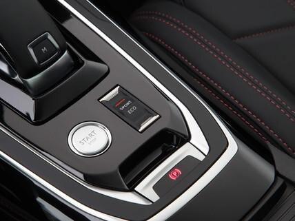 Nuova PEUGEOT 308 SW GT – pulsante sport sulla consolle centrale