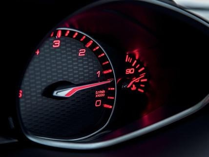 Nuova PEUGEOT 308 SW GT – visualizzazione del quadro strumenti in rosso