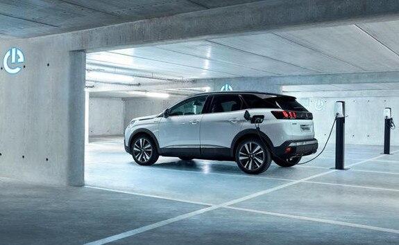 Peugeot 3008 charging home