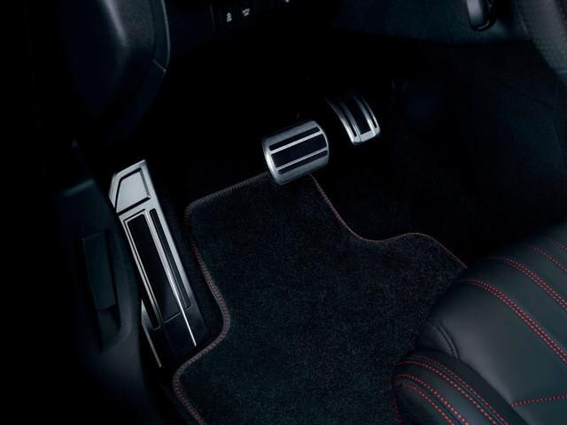 Nuova PEUGEOT 308 SW GT – pedale e riposa piedi in alluminio