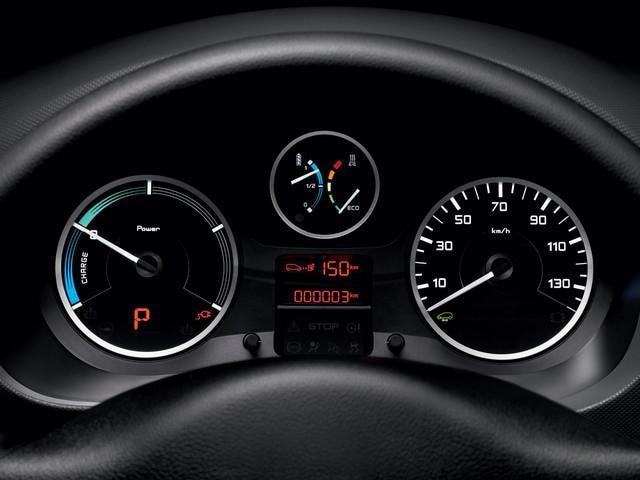 Batteria da trazione garantita 8 anni o 100.000 km - Nuovo PEUGEOT Partner Tepee Electric
